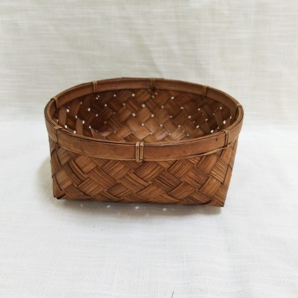 Beautiful and practical hand-woven decorative bamboo basket